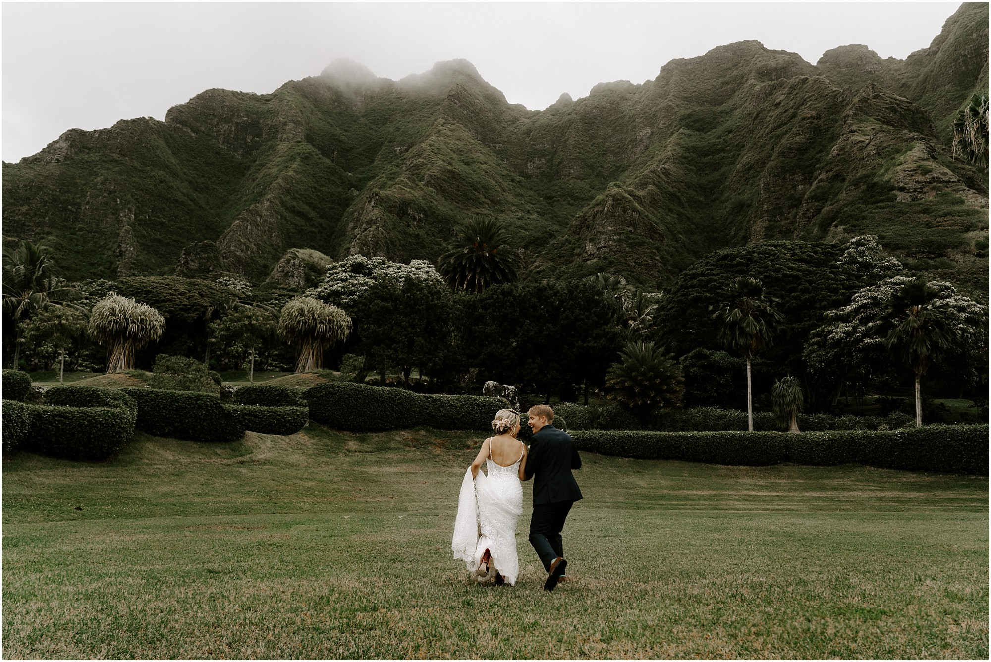 intimate-oahu-wedding-kualoa-ranch46.jpg