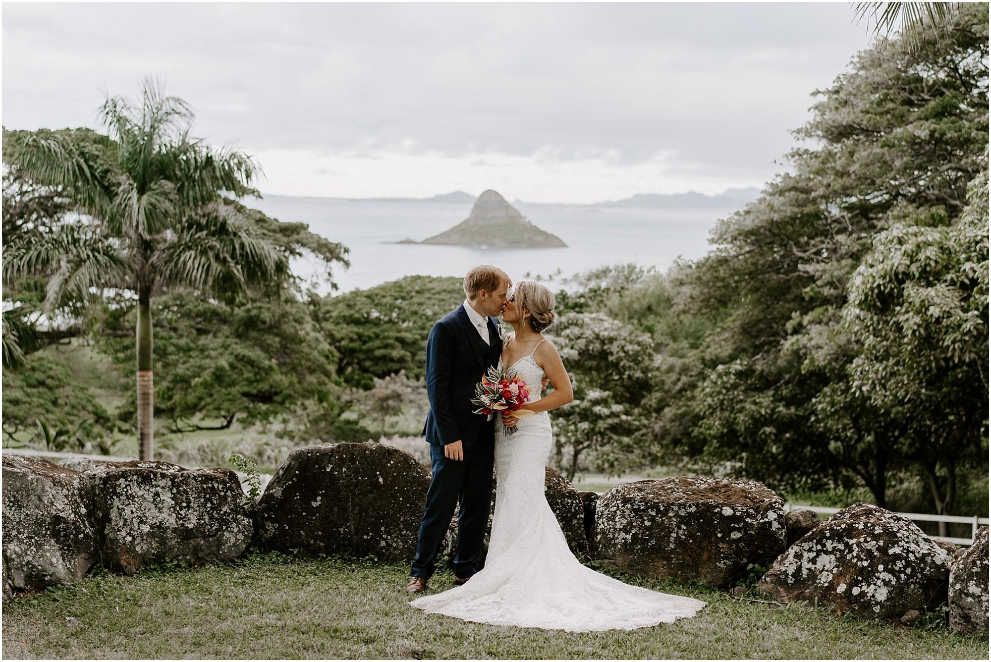 intimate-oahu-wedding-kualoa-ranch52.jpg
