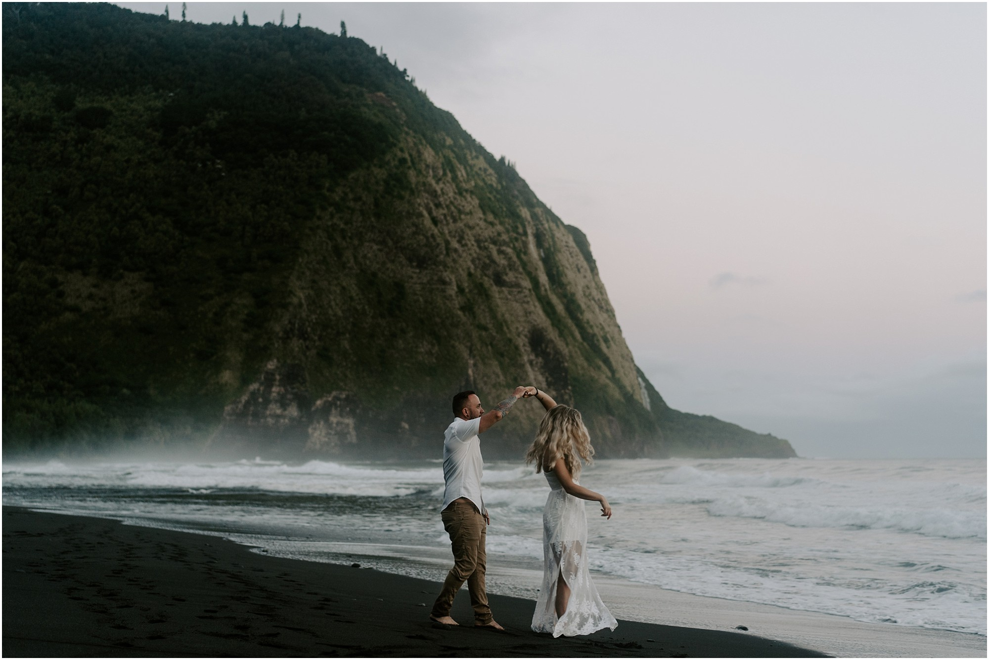 waipio-valley-wedding-hawaii-elopement-photographer_0003.jpg
