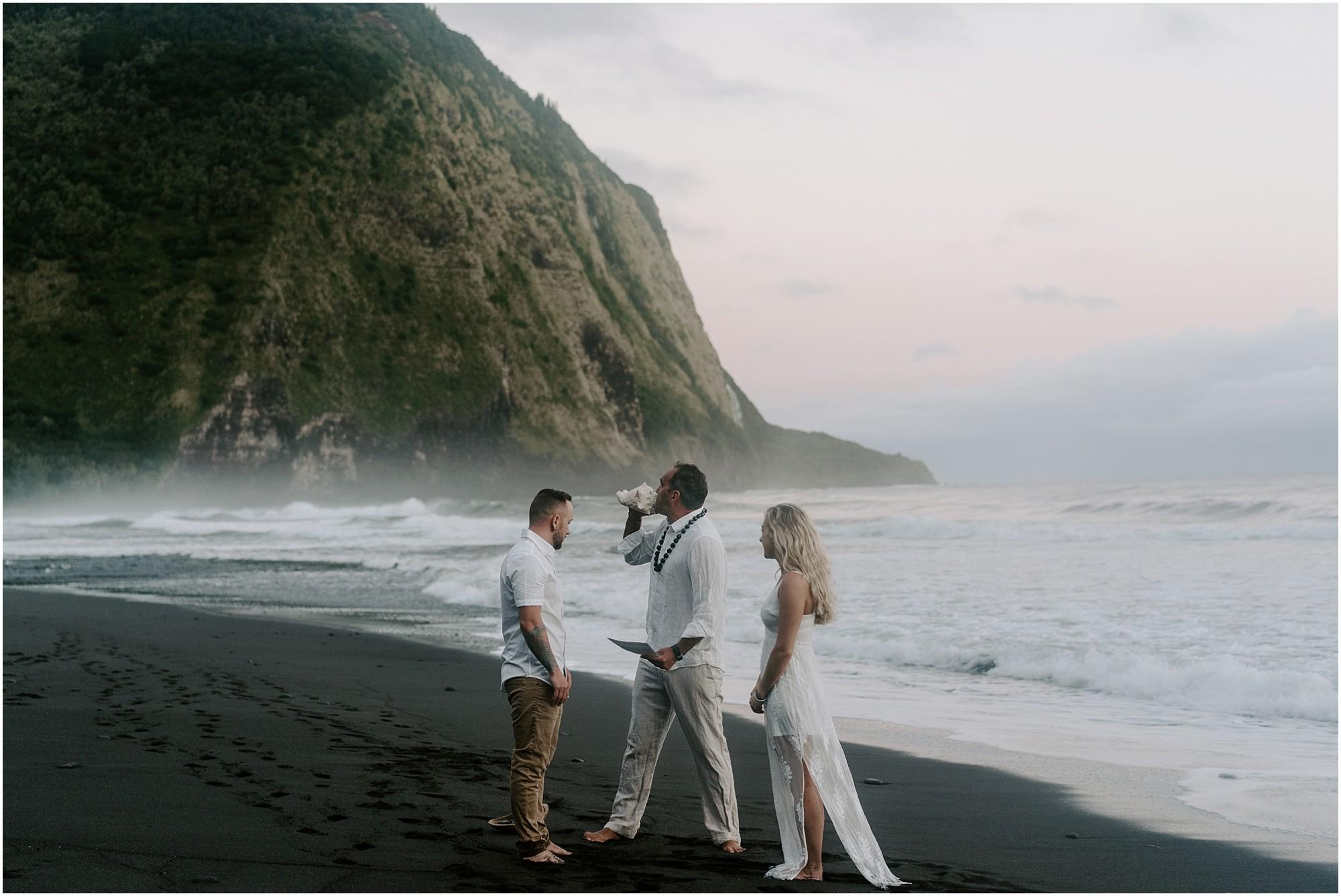 waipio-valley-wedding-hawaii-elopement-photographer_0005.jpg