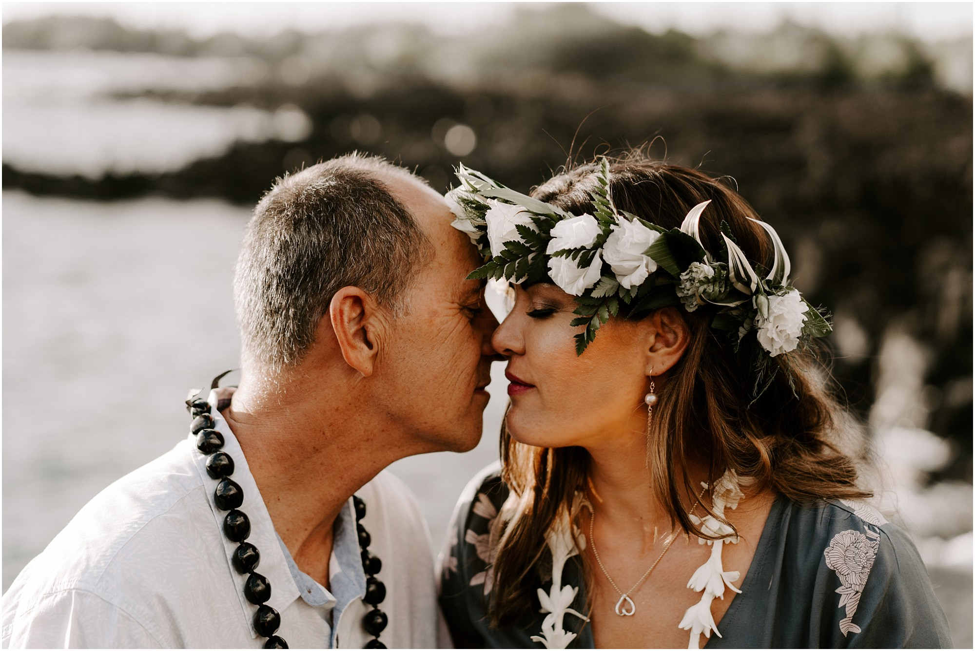 anniversary-couples-photos-on-big-island-hawaii-elopement-photographer_0005.jpg