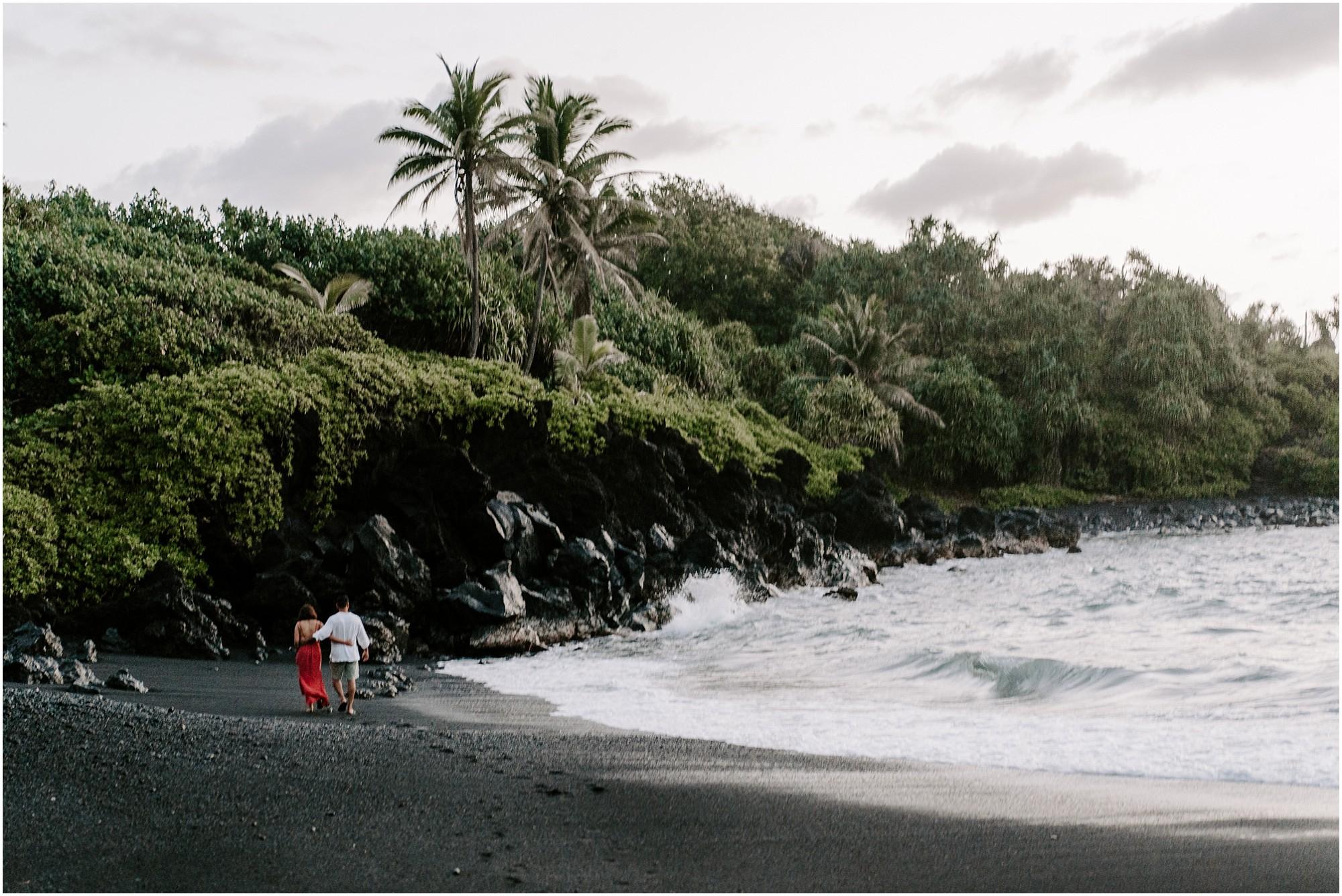 black-sand-beach-maui-hawaii-elopement-photographer_0002.jpg