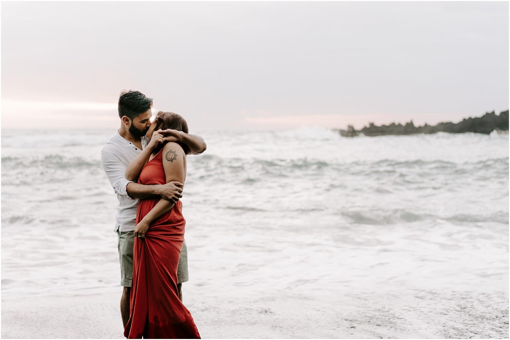 black-sand-beach-maui-hawaii-elopement-photographer_0014.jpg