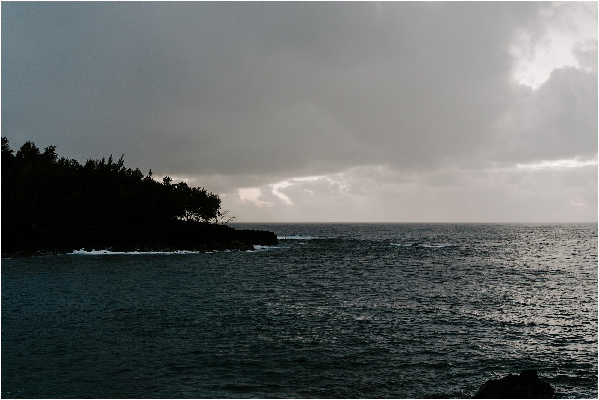 black-sand-beach-big-island-hawaii-elopement-photographer_0001.jpg