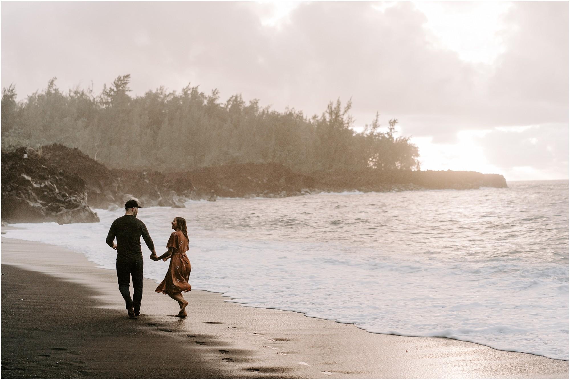 black-sand-beach-big-island-hawaii-elopement-photographer_0014.jpg