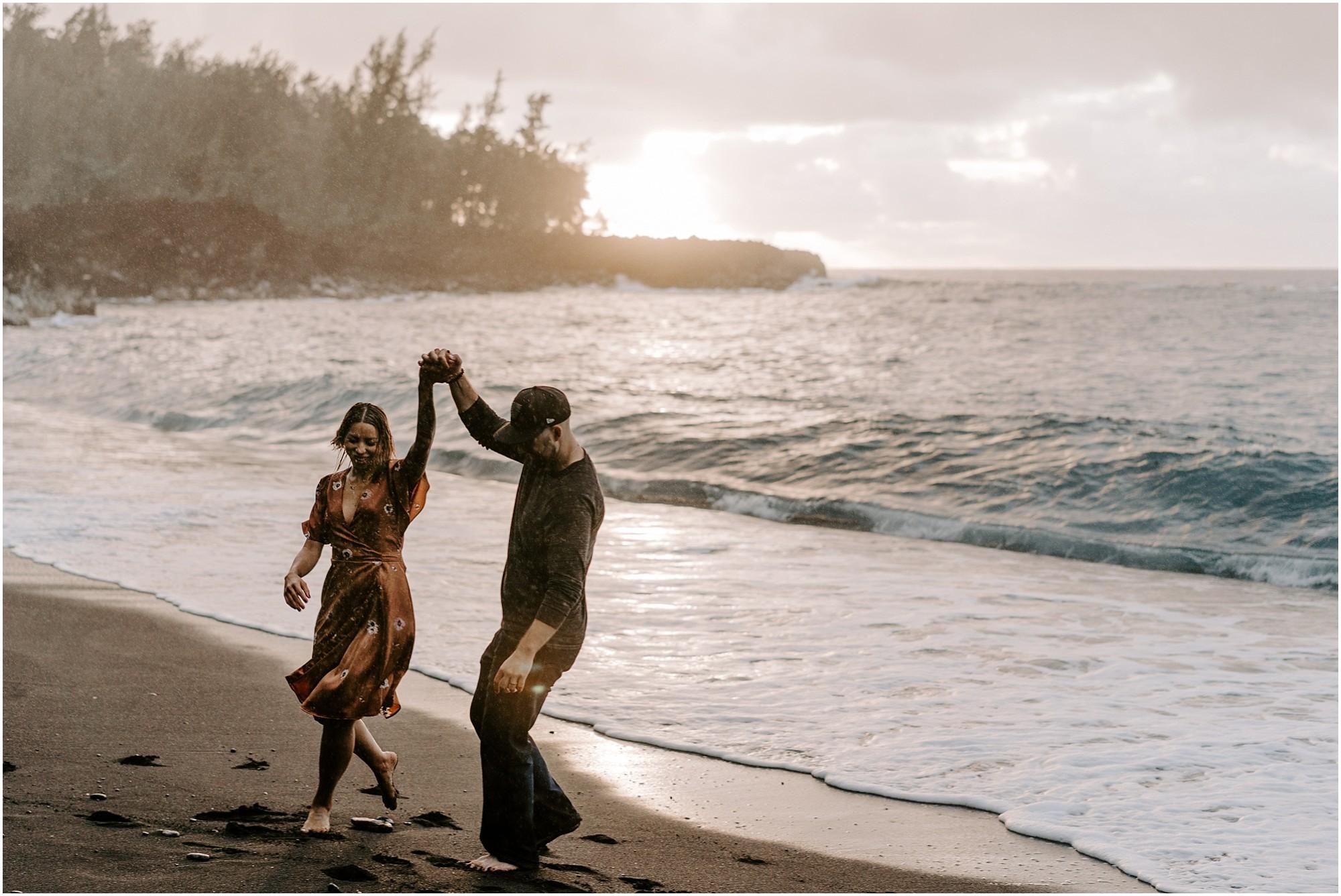 black-sand-beach-big-island-hawaii-elopement-photographer_0015.jpg