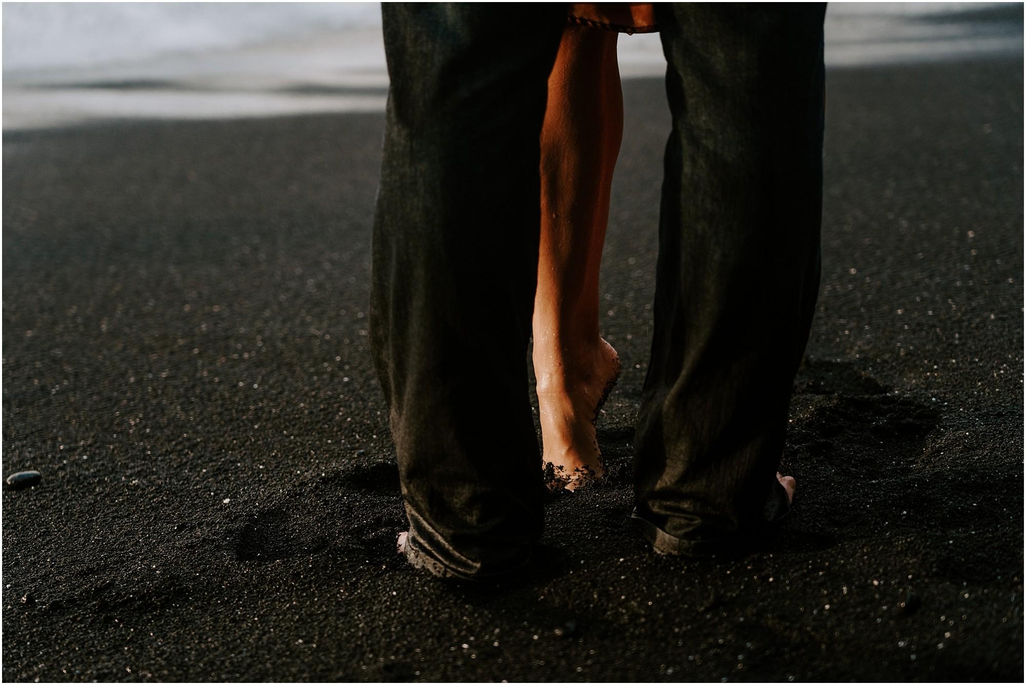 black-sand-beach-big-island-hawaii-elopement-photographer_0021.jpg