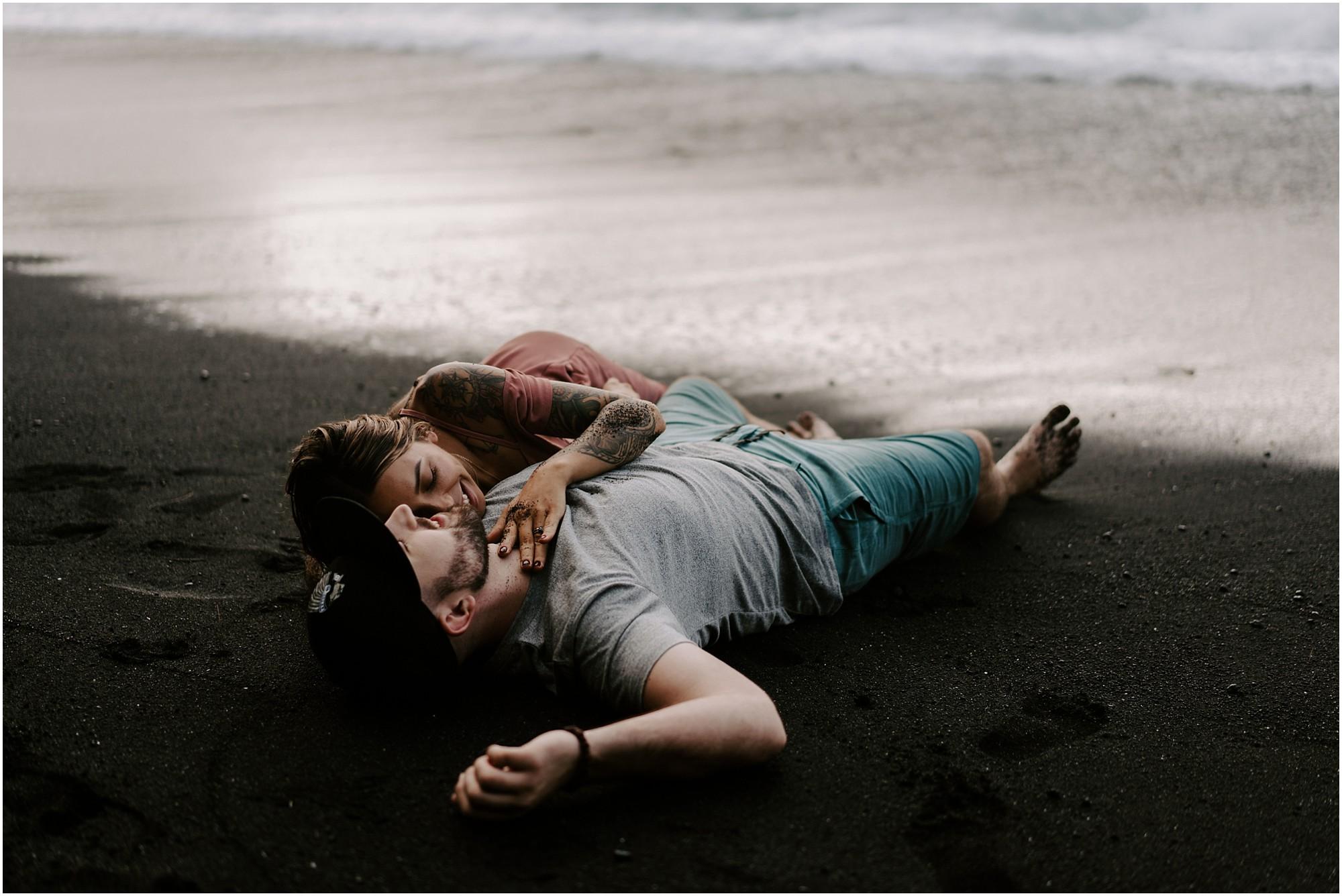 black-sand-beach-big-island-hawaii-elopement-photographer_0049.jpg