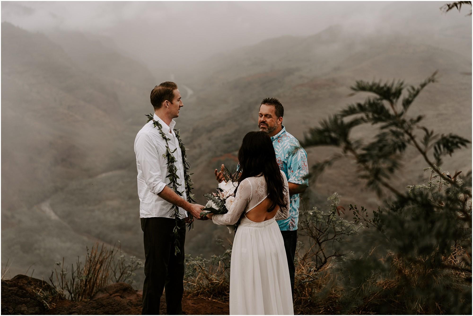 kauai-elopement-waimea-canyon_0018.jpg
