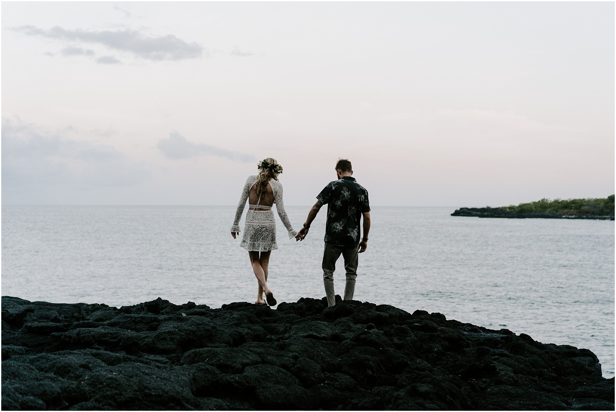 black-sand-beach-elopement-big-island-hawaii_0005.jpg