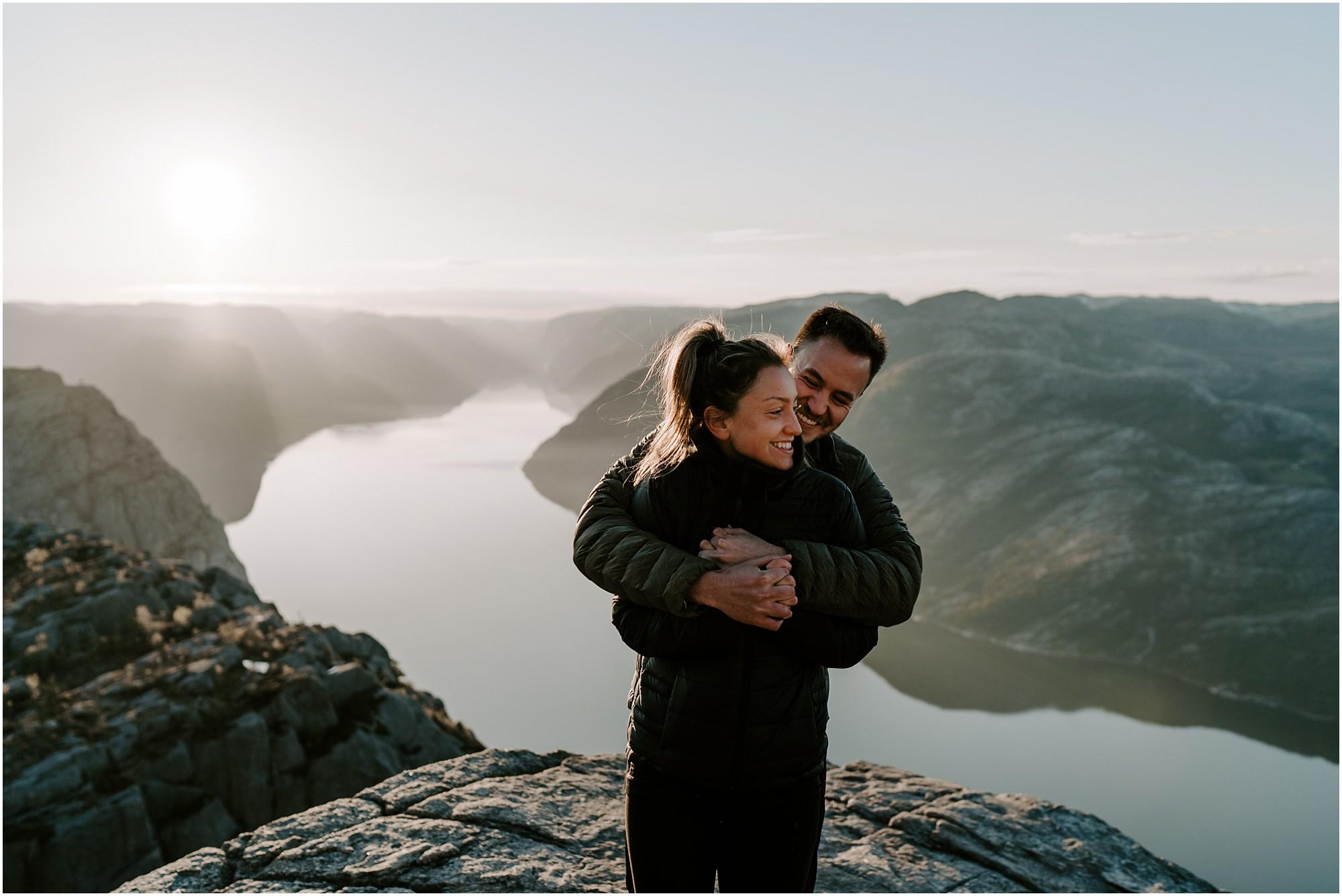 adventure-elopement-photographer-destination-wedding-norway_0005.jpg