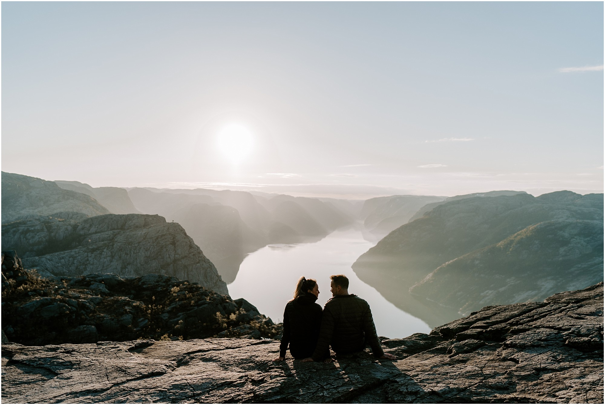 adventure-elopement-photographer-destination-wedding-norway_0014.jpg