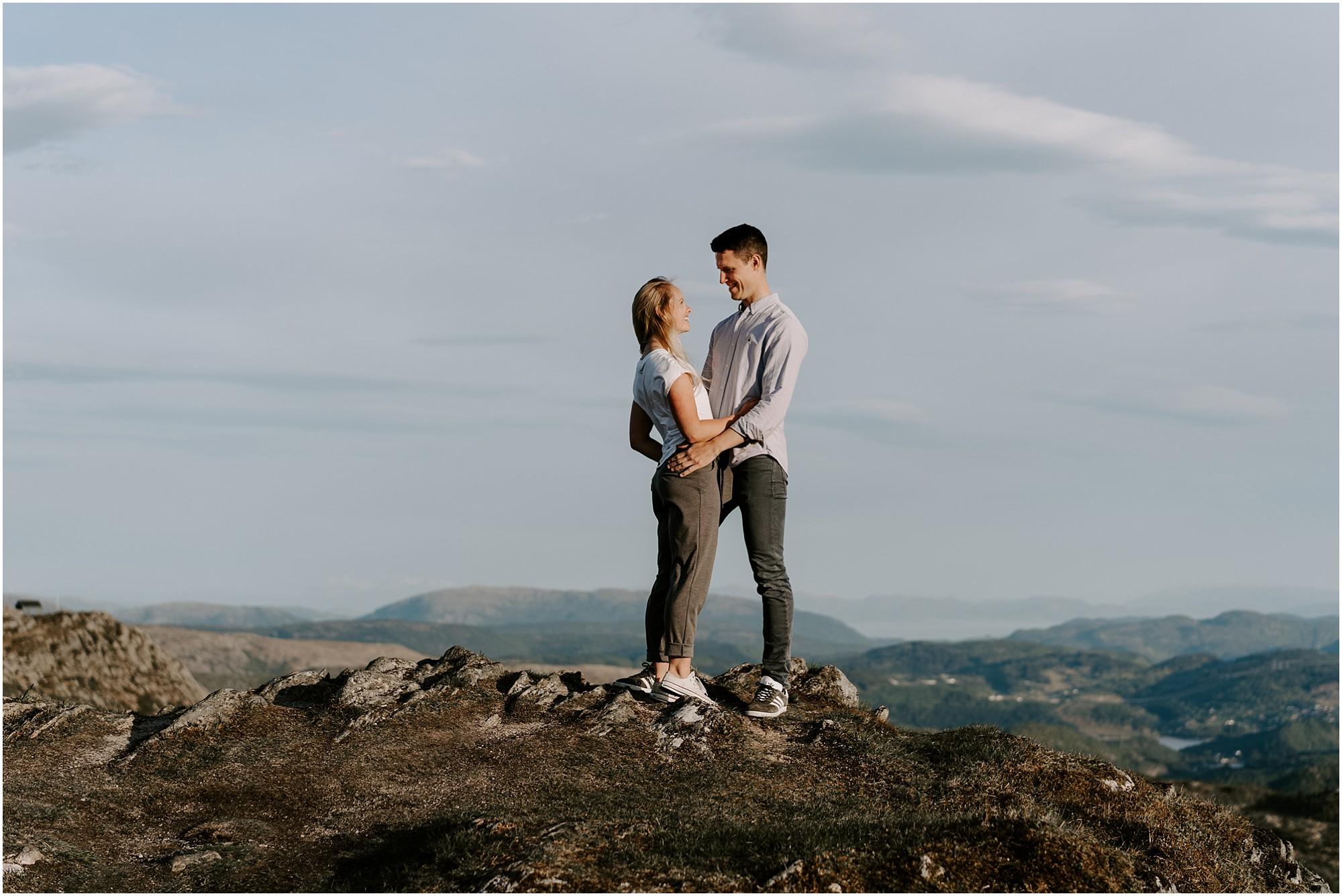 norway-engagement-session-destination-elopement-photographer_0001.jpg