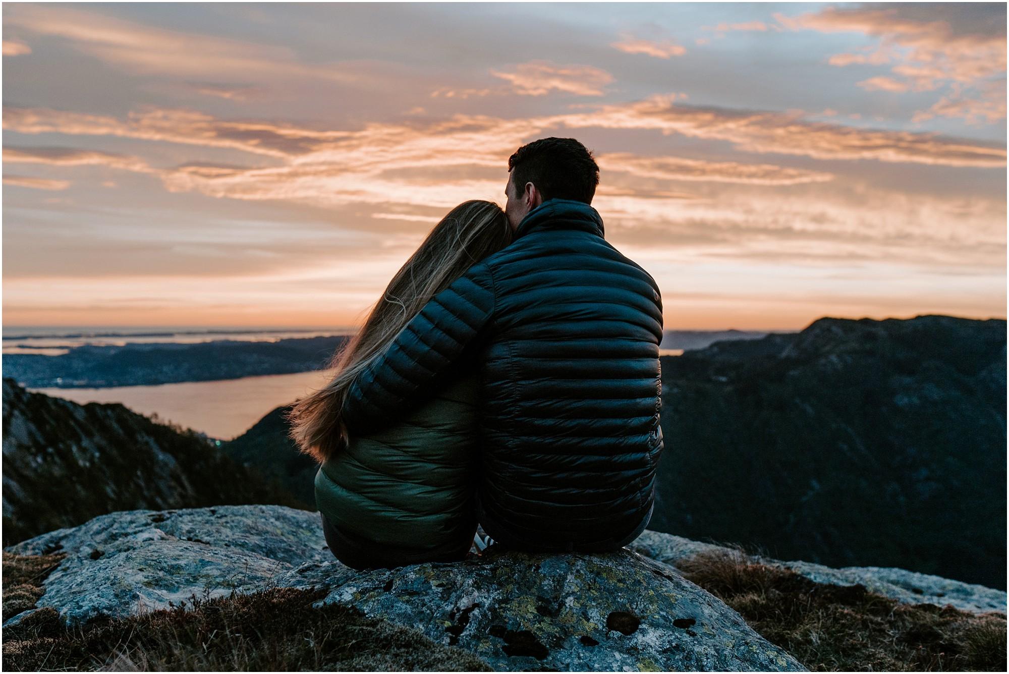 norway-engagement-session-destination-elopement-photographer_0035.jpg