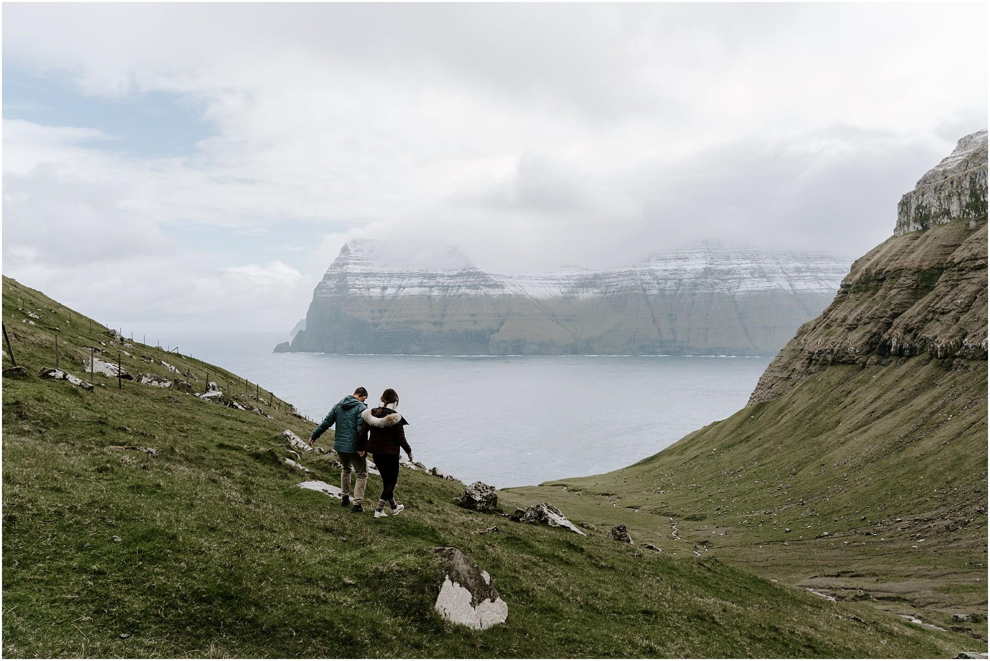 faroe-islands-engagement-session-destination-elopement-photographer_0003.jpg