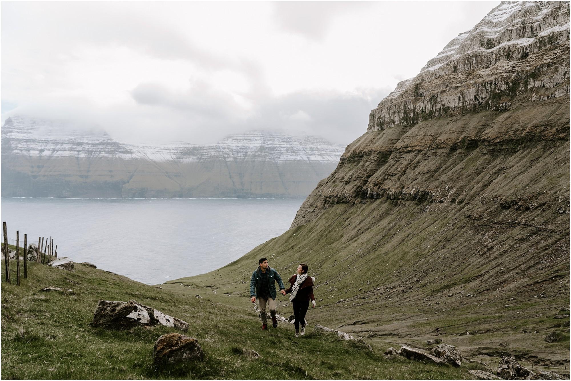 faroe-islands-engagement-session-destination-elopement-photographer_0004.jpg