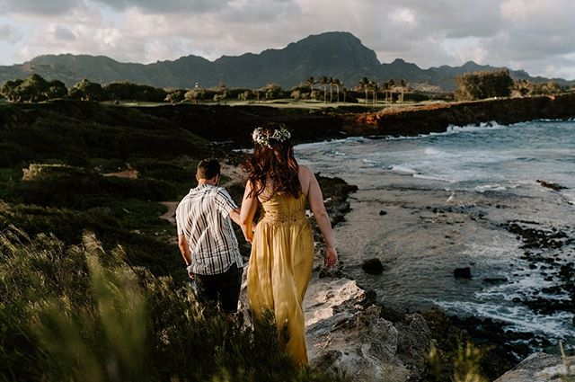 Taisa + Austen have been together for six years!! They came to Kauai to celebrate their first wedding anniversary, and we were so happy to be able to capture their sweet, genuine, and fun-loving personalities during our time with them.  We loved being able to adventure with them to this location after scouting it during a previous trip to Kauai. One of our favorite things to do is find a location that our couples are stoked on!  What's your dream location to shoot in/be captured in?! Let us know! 👇🏼