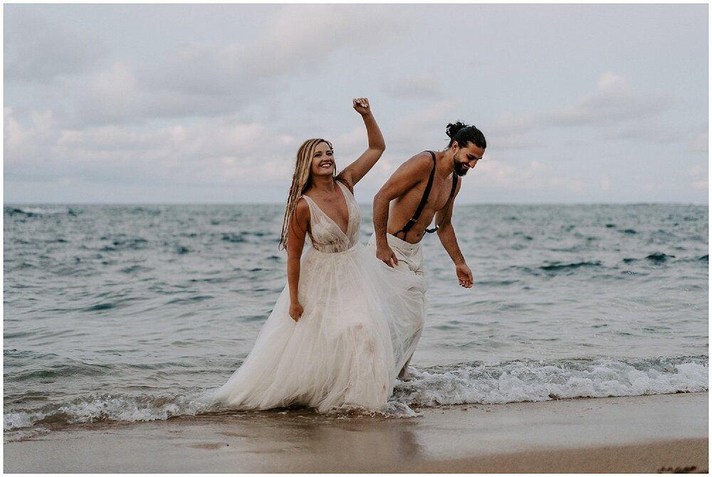 trash-the-dress-hawaii-ocean8.jpg