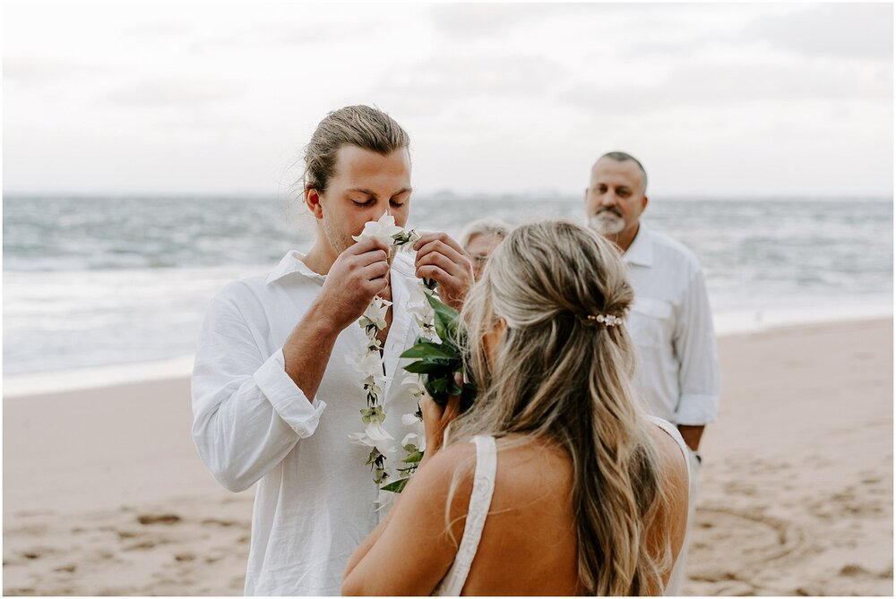 north-shore-kauai-adventure-elopement_0016.jpg