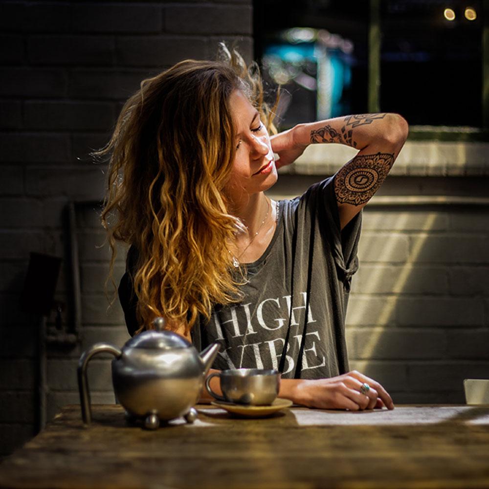 'HIGH VIBE'Short Sleeve -