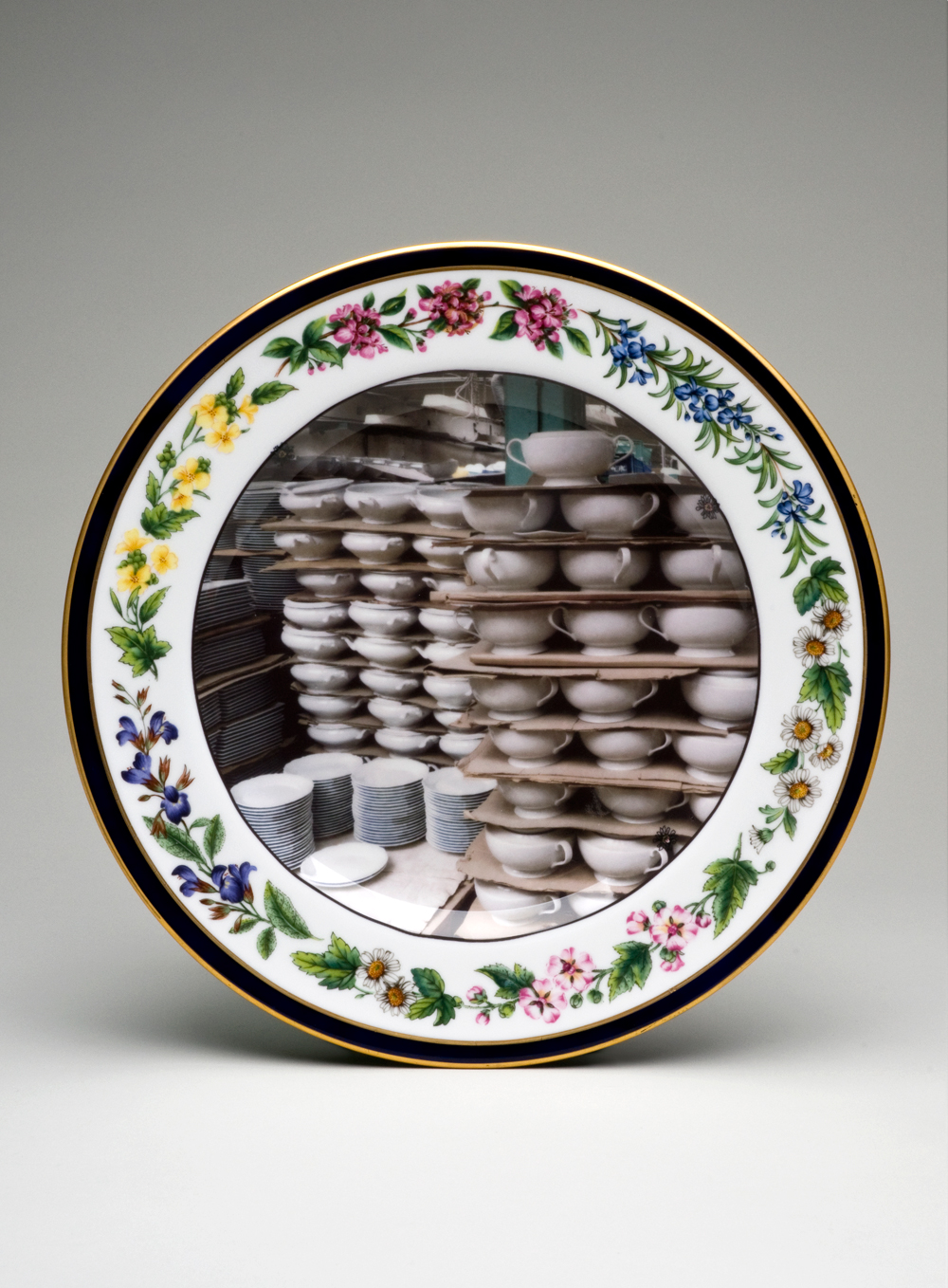 Discontinued - Stacked Tureens & Plates