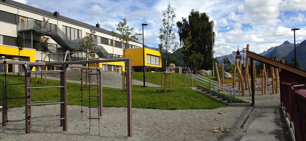 Isfjorden skole - lekeområde