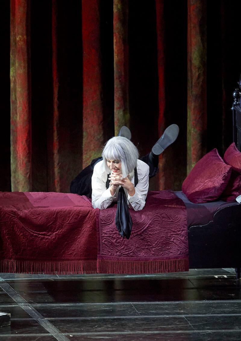 Chen Reiss as  Ännchen  in Der Freischütz © Wiener Staatsoper & Michael Pöhn