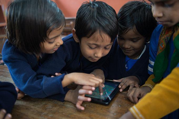 children_tablet_01.jpg