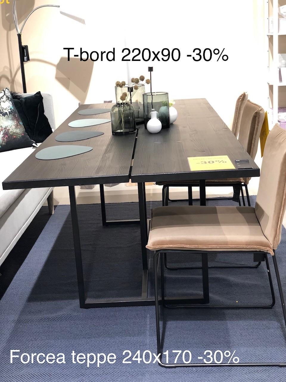 T-bordet er solgt. Teppet er fremdeles til salgs.