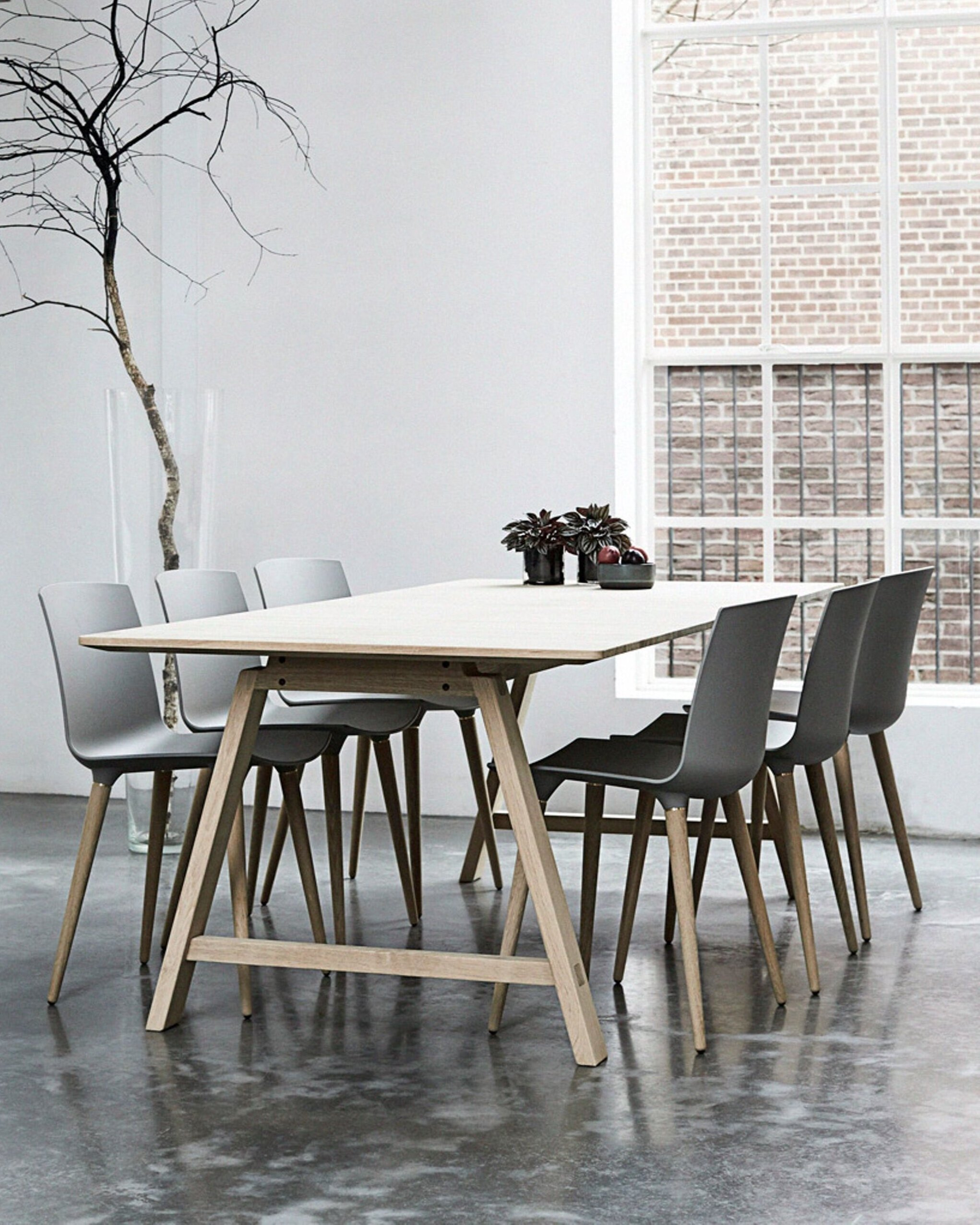T1 - Andersen Furniture