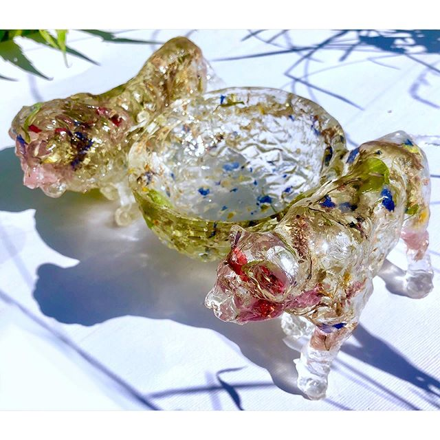 A bowl you might find in a hidden temple in the jungle  #resin #lions #driedflowers