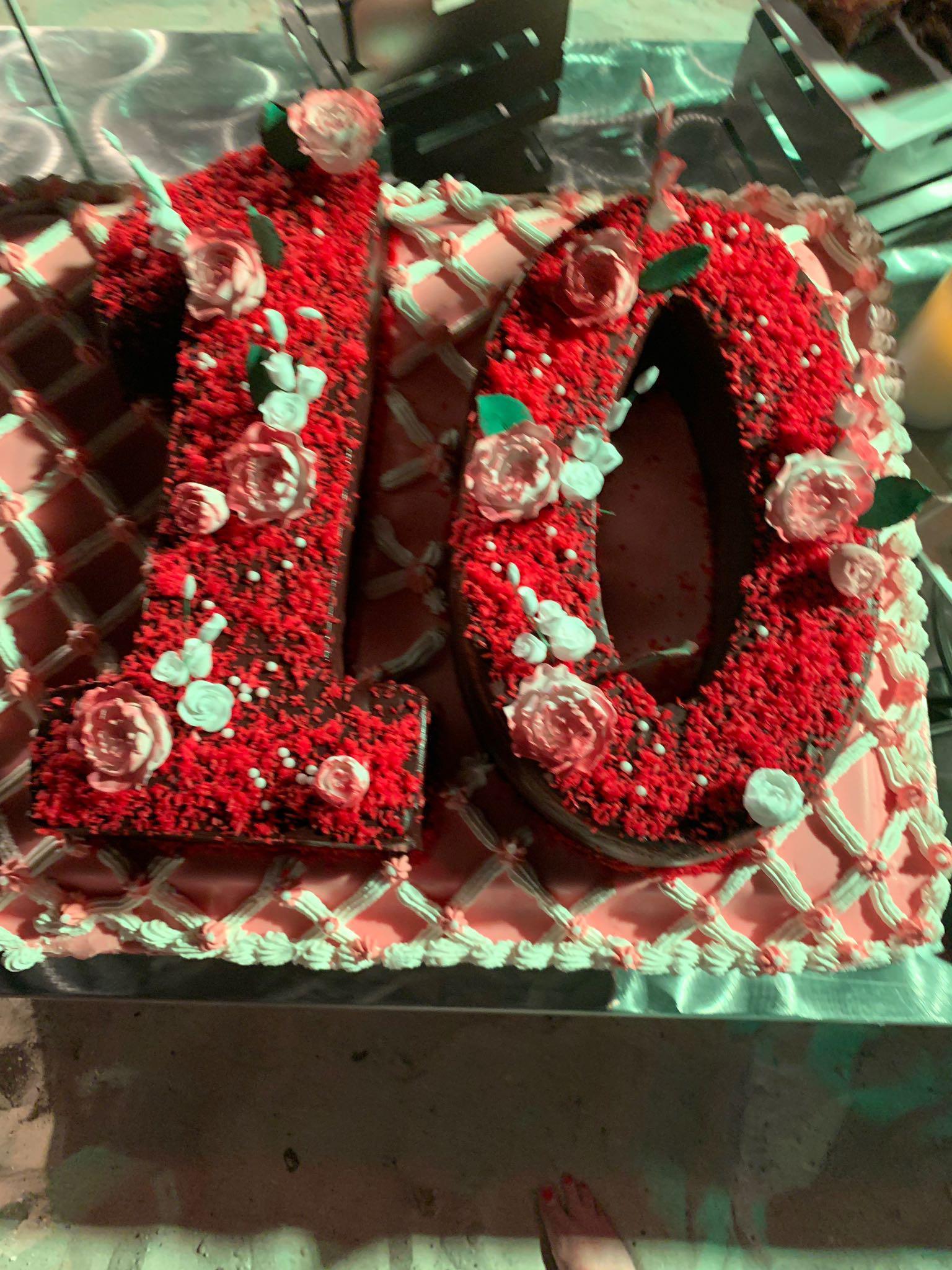 Trip-Sisters-Beaches-10-Cake