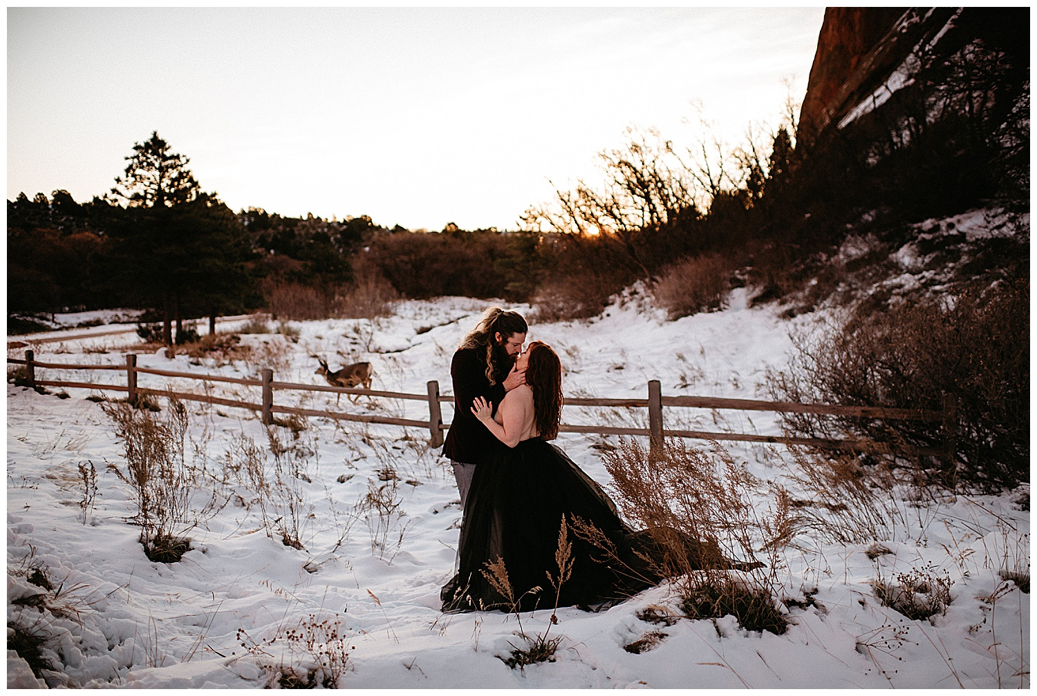 engagement-session-at-garden-of-the-gods-colorado-springs-co_0003.jpg
