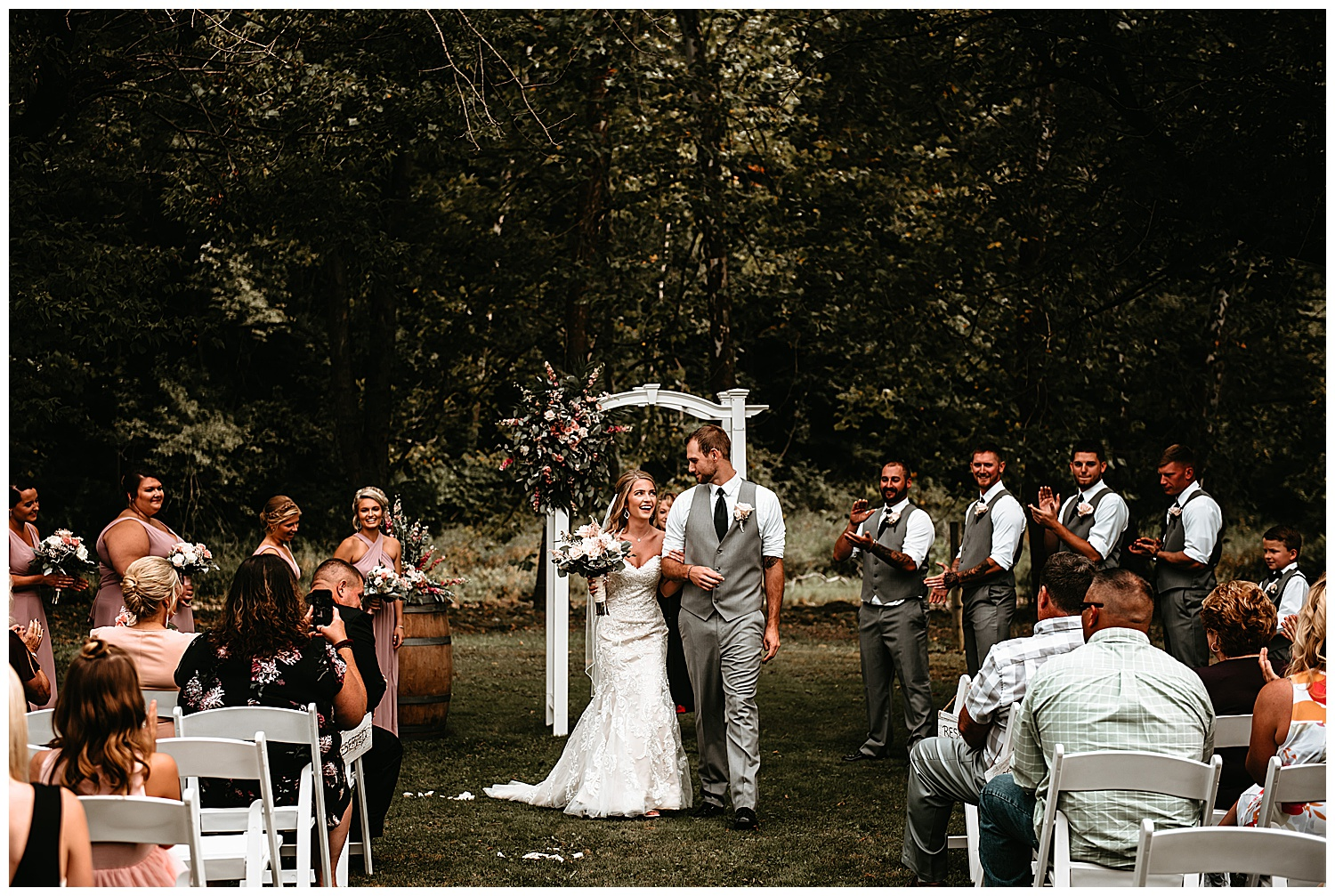 NEPA-Bloomgsburg-Wedding-Photographer-at-The-Barn-in-State-College-PA_0015.jpg