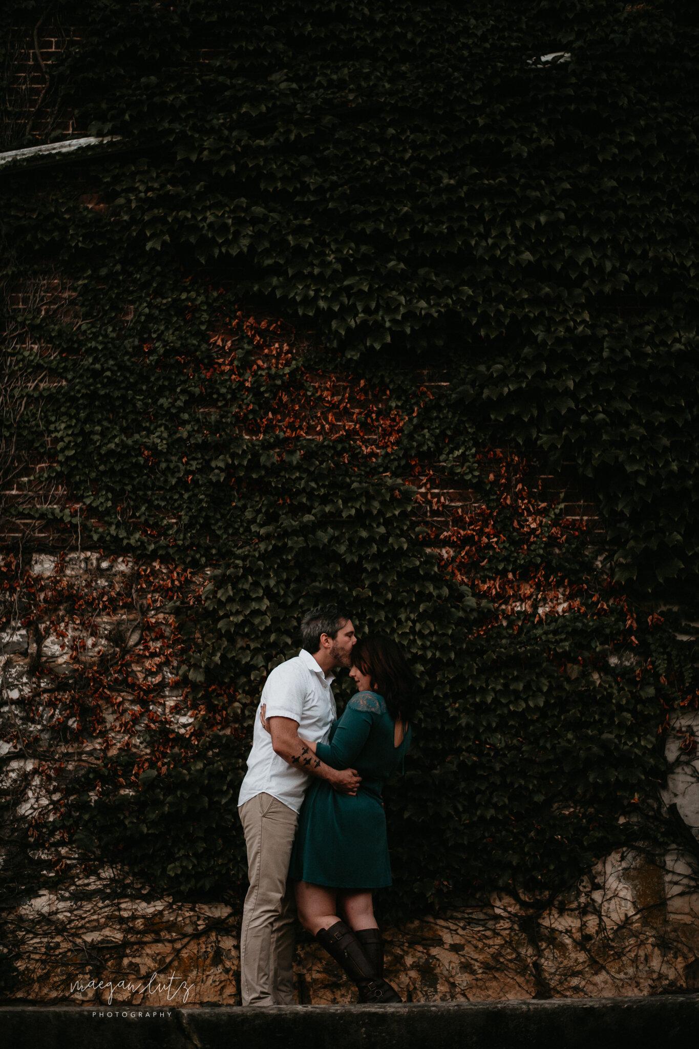 NEPA-Lehigh-Valley-Wedding-Engagement-photographer-at-the-rose-garden-allentown-PA-38.jpg
