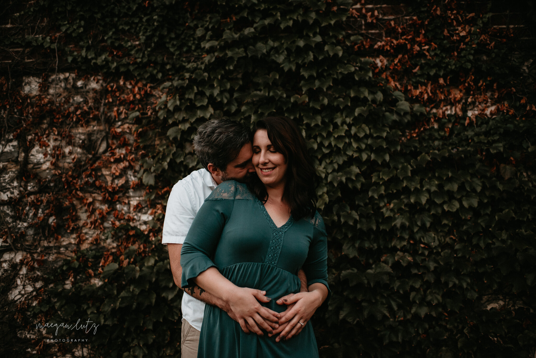 NEPA-Lehigh-Valley-Wedding-Engagement-photographer-at-the-rose-garden-allentown-PA-39.jpg