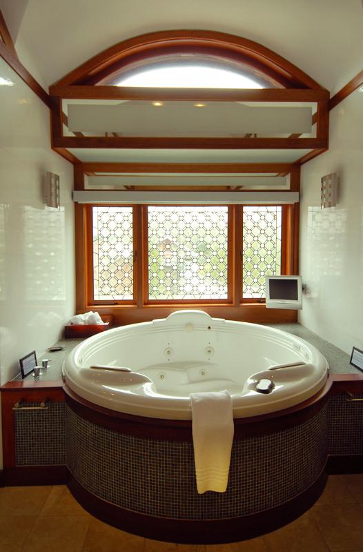 Master Spa Whirlpool Tub
