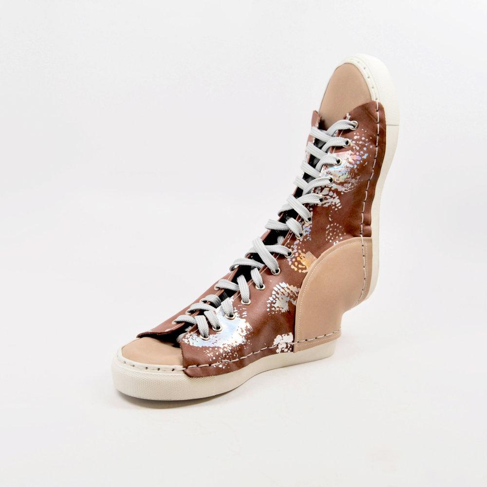 a (pair of) shoe(s).jpg