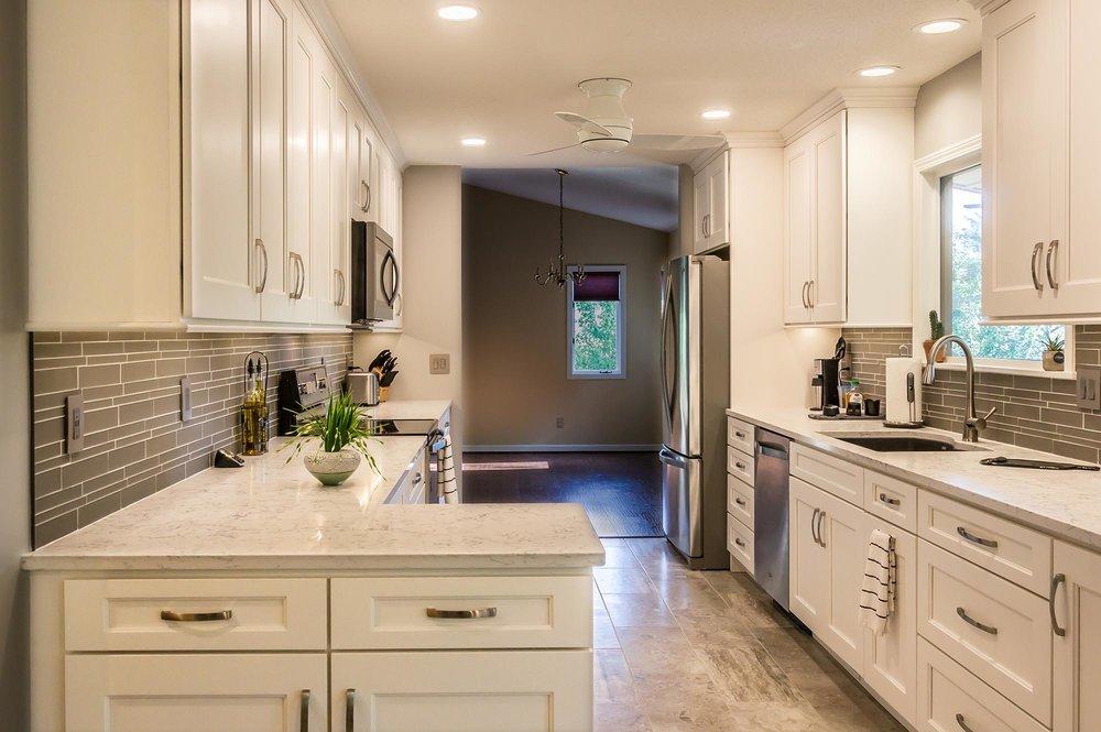 Galley Kitchen With Island Layout Whaciendobuenasmigas