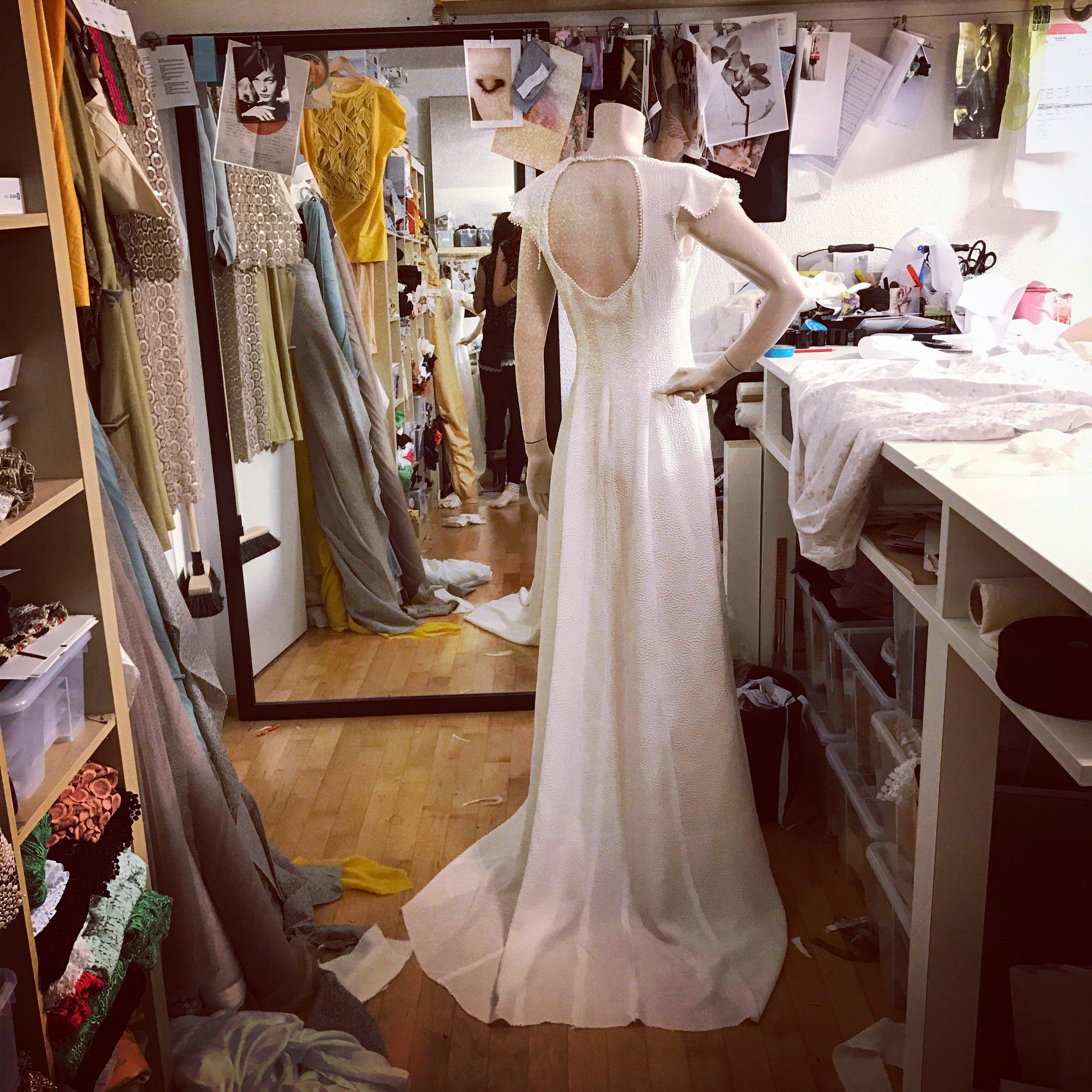 weddingdress_2017_silk_seamIMG_5349.JPG