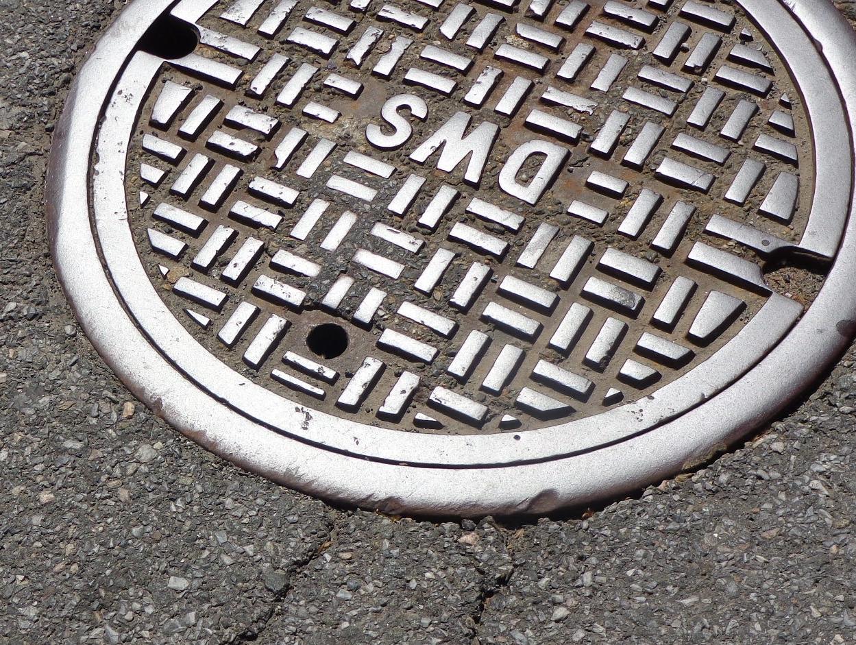manhole-1200923.jpg