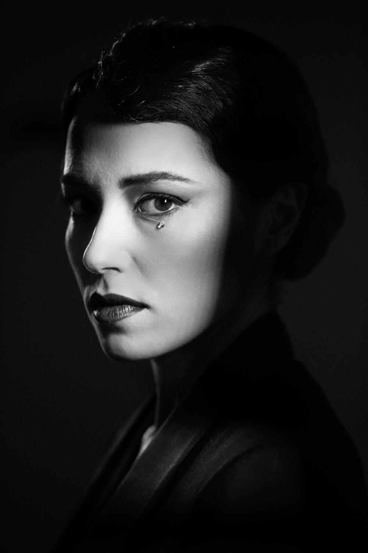 Portfolio_Portraits_Vera_Dragone_3.jpg