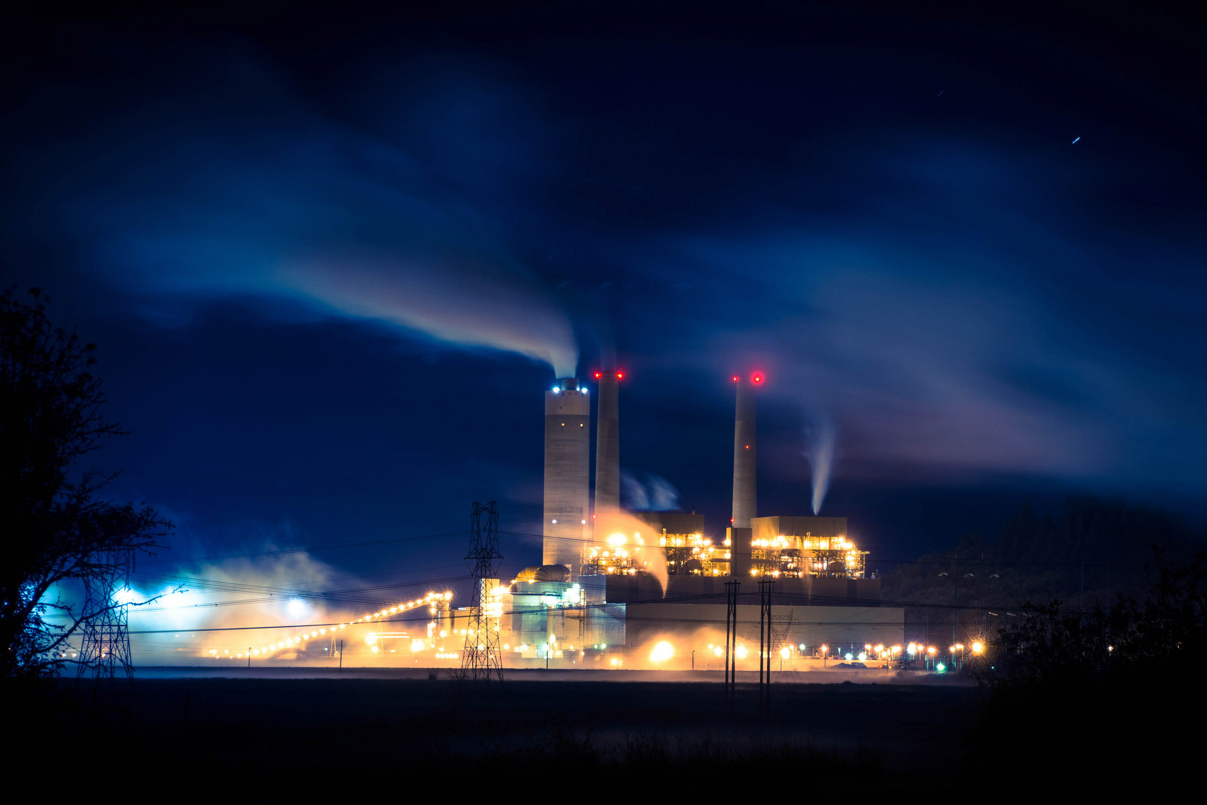 """The Centralia """"Big Hanaford"""" power plant is the only commercial coal-fired power plant left in the state of Washington. Currently, it's coal-fired boilers are set to be decommissioned by 2025. Photo: Kid Clutch via Flickr"""
