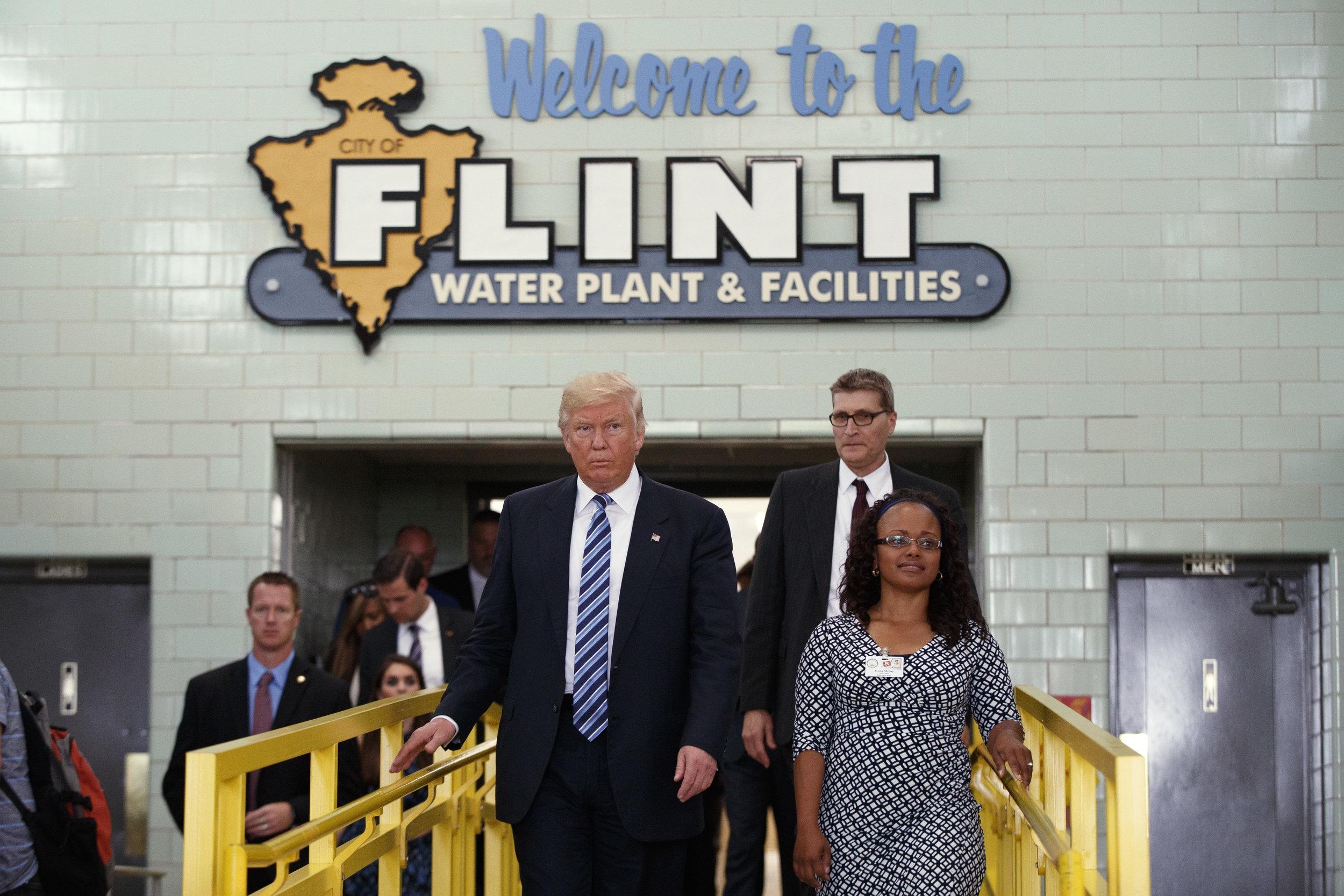 Donald Trump tours the Flint Water Plant and Facilities in Flint, Michigan, September 14, 2016.  Credit: REUTERS/Mike Segar