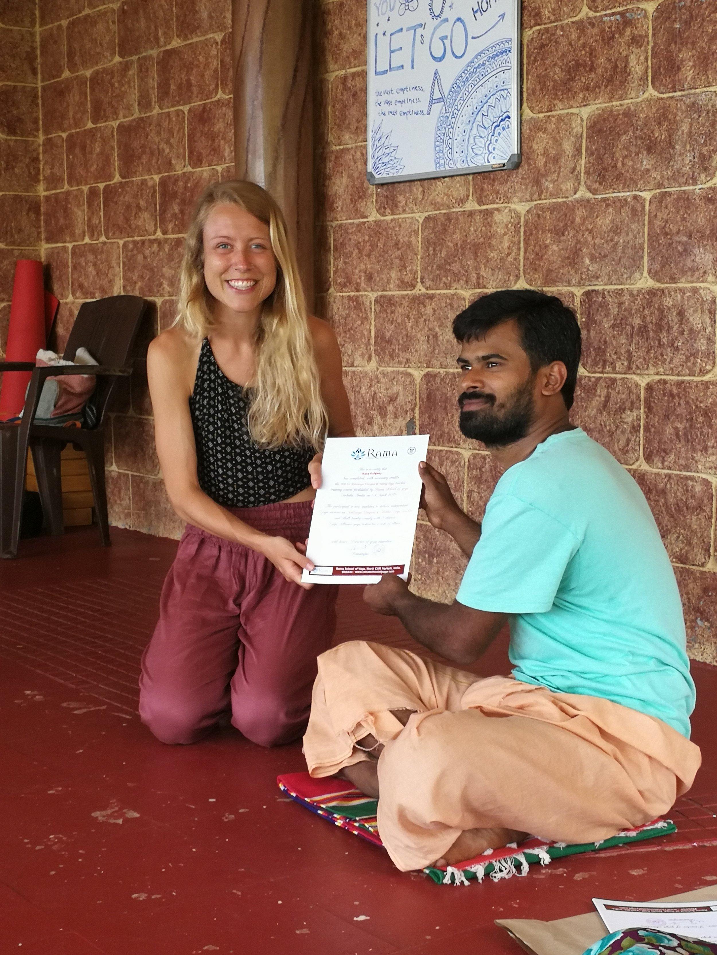 yoga-travel-india
