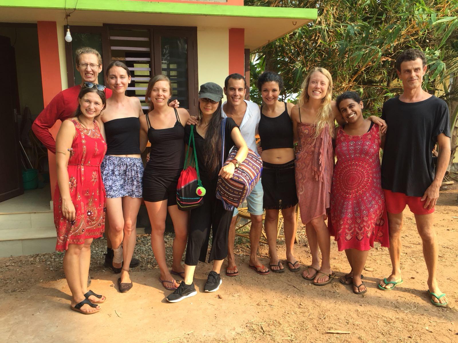 travel-friendship-yoga