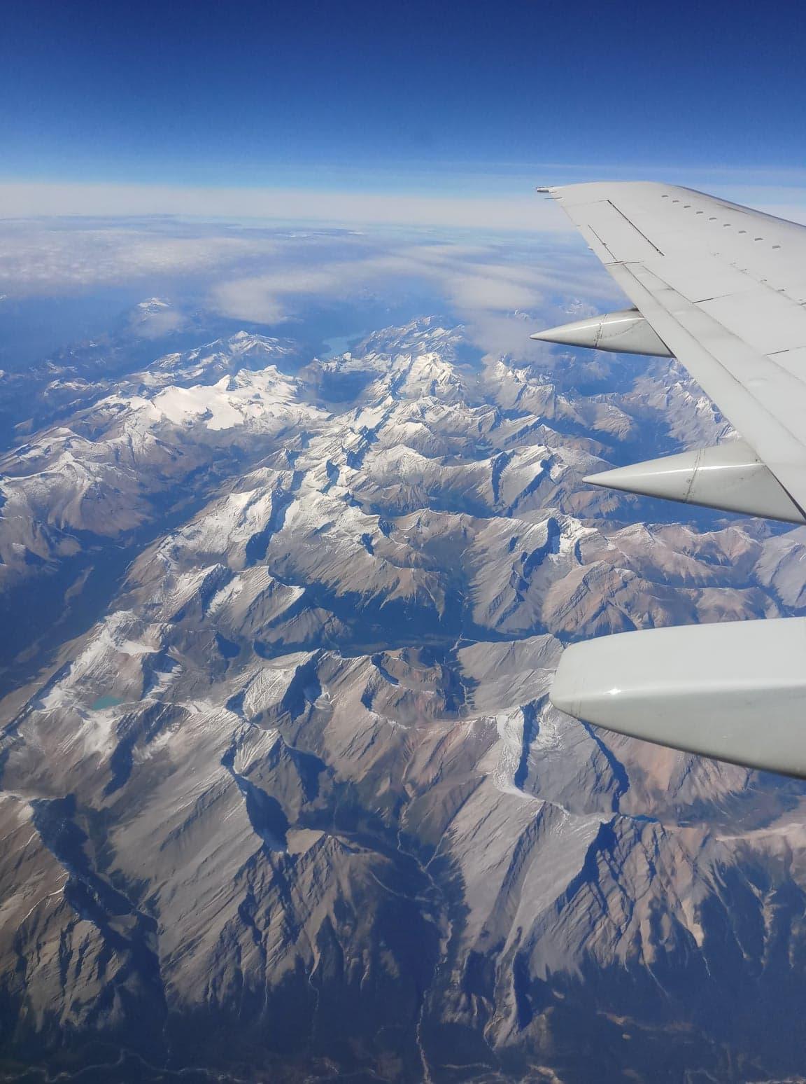 canada-travel-mountains