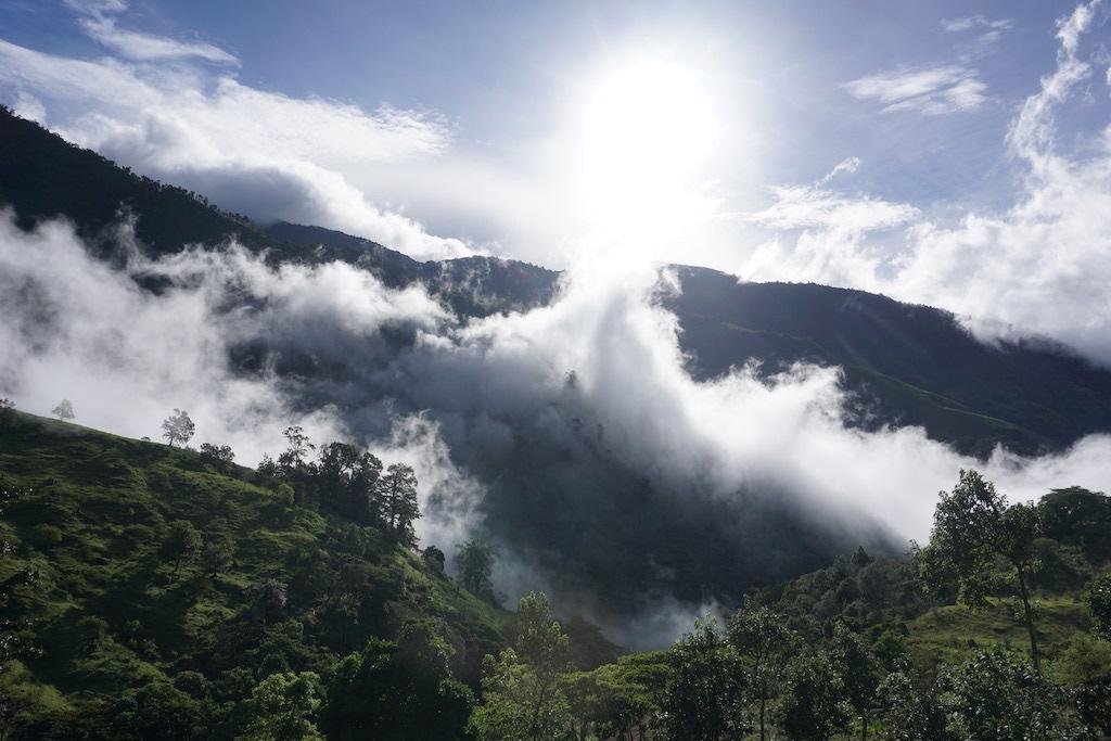 mountains-costa-rica-ecotourism