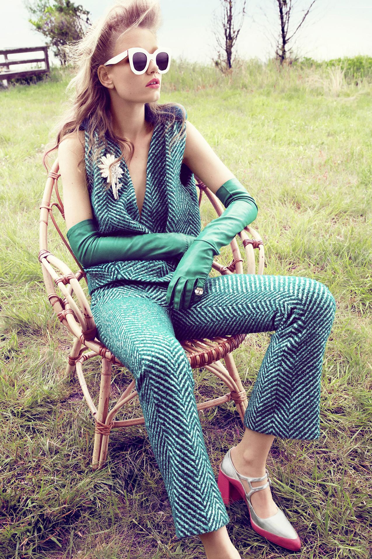 hbz-bright-fashion-october-2015-05.jpg