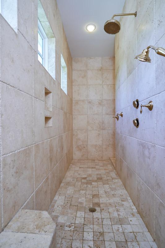 Master Bath 4 HQ.jpg